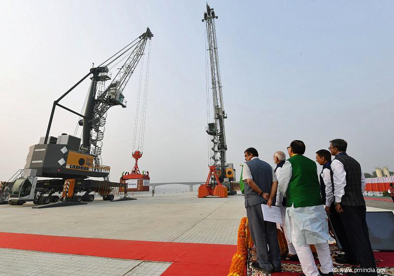 Cargo Connexion Liebherr mobile harbour cranes at India's